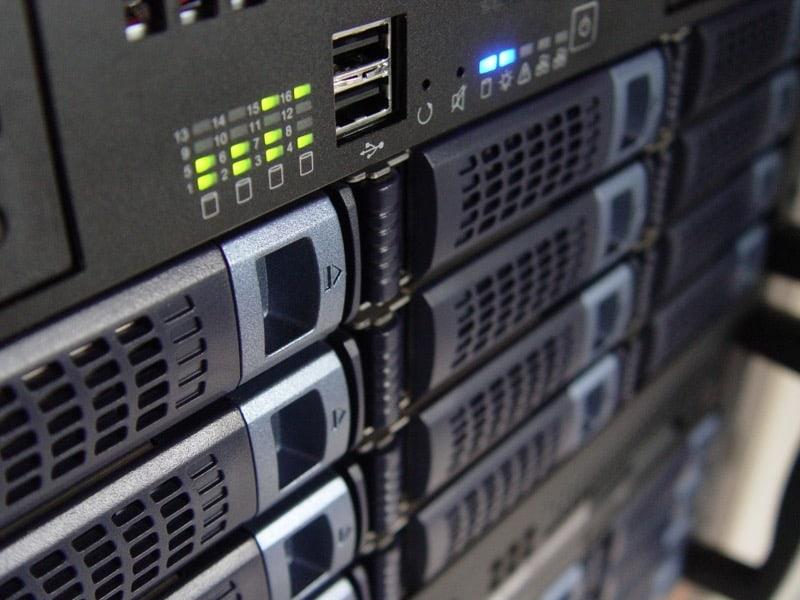 Servidor con múltiples discos duros